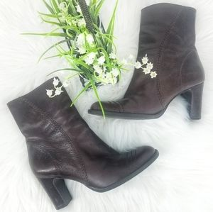 Gianni Bini Brown Leather Zip Round Toe Heel Boot
